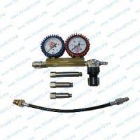 Пневмотестер SMC-111 для проверки цилиндро-поршневой группы у бензиновых двигателей, работает от компрессора, шланг измерительный, 3 адаптера